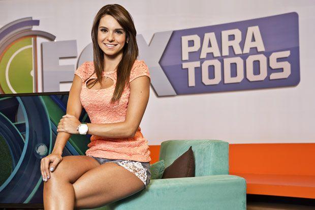 Conoce cuáles son las conductoras de deportes más guapas del momento: http://www.gq.com.mx/mujeres/articulos/las-conductoras-periodistas-de-deportes-mas-guapas-y-sexys/3539