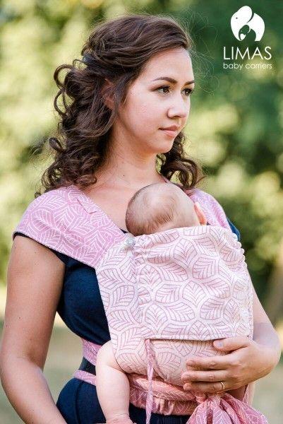 Limas Babytrage Blättertanz rosa - mitwachsend von 3 bis 15 kg. Die Bauch und Rückentrage von Limas ist individuell auf Dein Baby einstellbar und aus weichem Tragetuchstoff. Wir beraten Dich gerne telefonisch, per email oder im Laden zur Limas Babytrage.