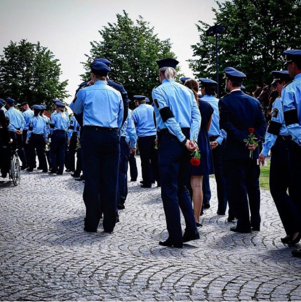 Swedish police at funeral of fallen officer [600x601]