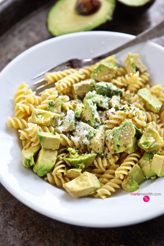 Super Simple Avocado Pasta Salad | MarlaMeridith.com ( @marlameridith )