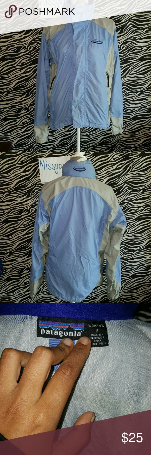 Patagonia jacket Womens size small. Does need to be washed otherwise no rips or holes I can see. Price reflects my lack of washing prior to sale Patagonia Jackets & Coats
