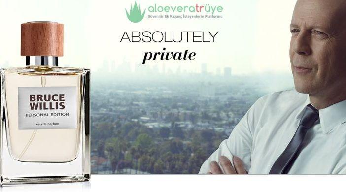 Parfüm seçimleri yapmak istediğimizde hep nedense ünlülerin kullandığı kokuları merak eder ve onlara doğru bir yönelme içinde oluruz. Gerek zevklerine güvendiğimiz ünlüler gerek ise kullandığı markaların kaliteli oluğu bizi bunlara iten nedenler olabilir elbette. Artık parfüm seçeneklerinizde tek geçeceğiniz bir koku olan LR Bruce Willis parfümü ile aradığınız o hoş kokuyu buluyor olacaksınız. Bruce Willis'in