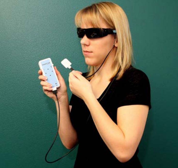 BrainPort V100 Helps Visually Impaired People to See from Their Tongues #brainportv100