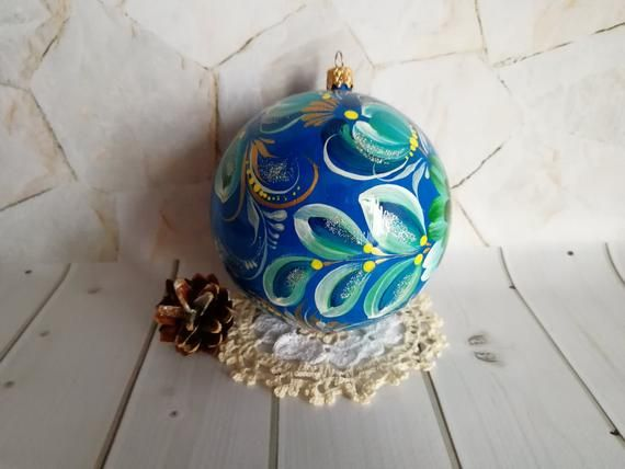 Hand Painted Christmas Ornaments With Beautiful Floral Blue And Turquoise Design Like Peacock Colors Christmas Ornaments Painted Christmas Ornaments Ornaments