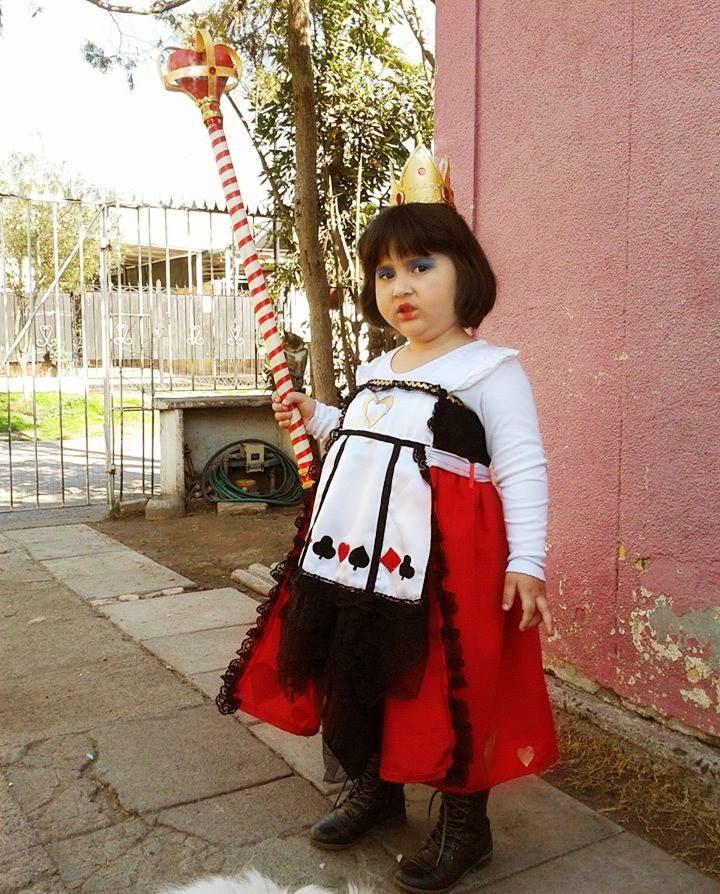 Reina de Corazones Costume https://www.facebook.com/beatriz.olivera.984/media_set?set=a.10152367341888740.1073741889.711588739&type=3