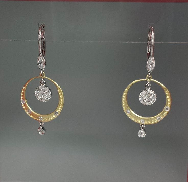 You'll be over the moon with these gold and diamond drop earrings!  #diamondearrings