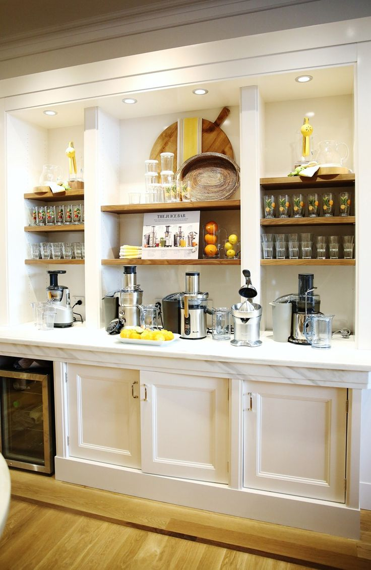 juice bar mix of white with natural wood, tidy look, lighting