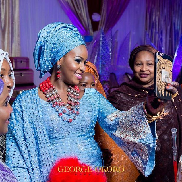 """You know you are having a ball when you take out time for a selfie in the middle of """"The cutting of the cake""""  Bride Aisha in @bimmms24 for her Kamu .. #GeorgeOkoroWeddings #weddingstories #bride #Kamu #Sokoto  Cc @momodumedia @joeali007"""