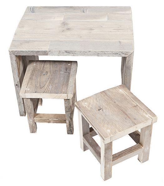 Set van tafeltje met 2 krukjes van steigerhout