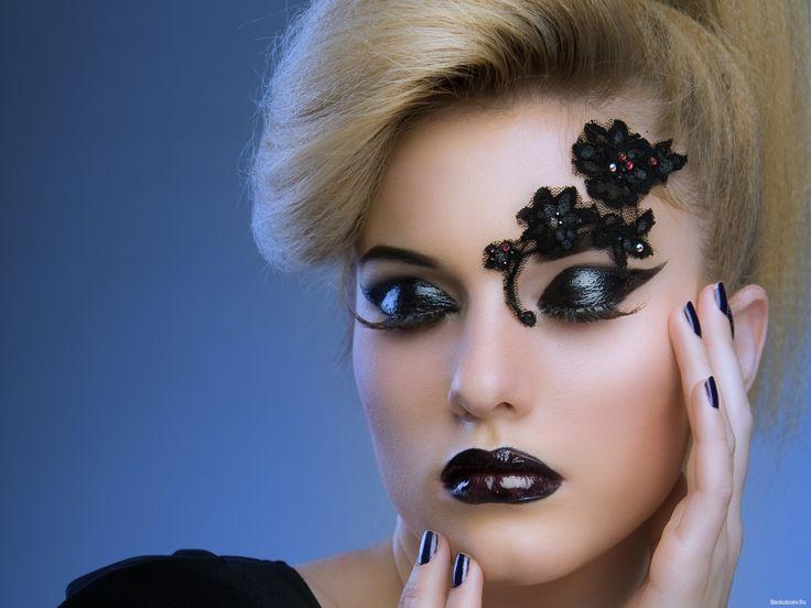 обои Декоративная бровь и темный макияж фото
