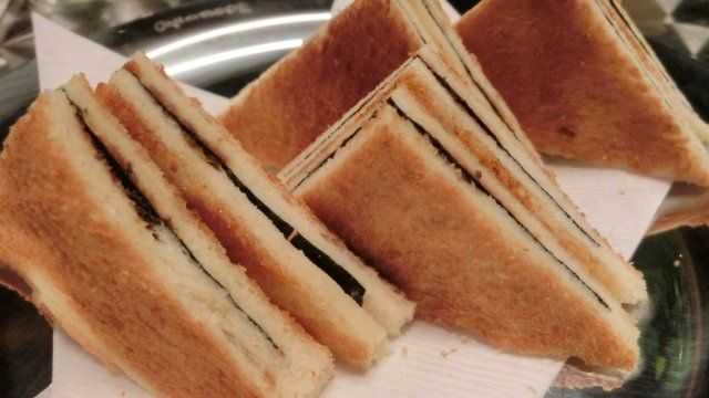 """メシコレ on Twitter: """"銀座ソニービルの地下三階にバルミューダ製トースターがズラリ! あの「のりトースト」も食べることができるカフェがそこにありましたよ https://t.co/UvBdkKReyN https://t.co/z1VB9izKOK"""""""