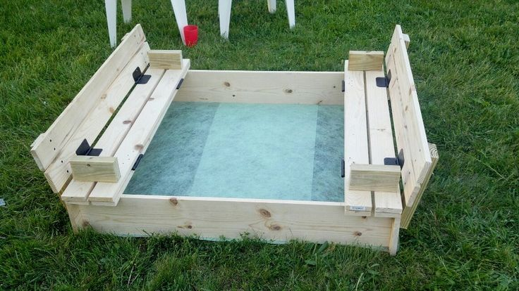Do It Yourself House Plans: COVERED SANDBOX WITH BUILT IN SEATS