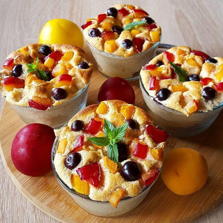 """Polubienia: 2,583, komentarze: 86 – Iza (@izula29) na Instagramie: """"Szarość 🌫 za oknem urozmaicamy kolorowym śniadankiem - kasza manna zapiekana z owocami 👍 Pycha 😋…"""""""