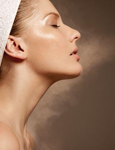 Saiba como cuidar da pele do pescoço e evitar linhas de expressão Cuidados com o corpo