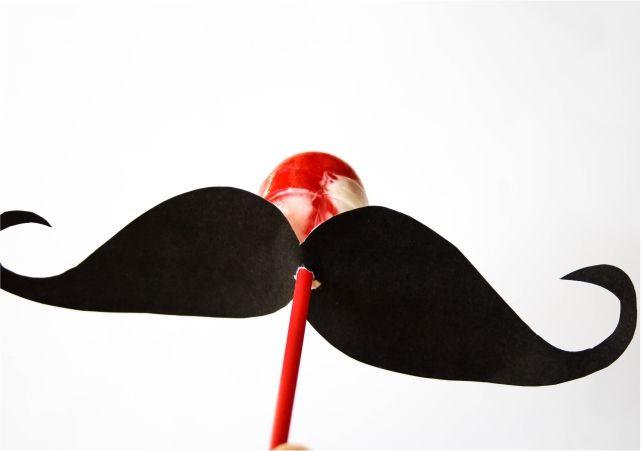 DIY Lip and Moustache Lollipops #DIY #lblogger #lifestyleblogger #lifestyleblog #crafts #DIYblogger