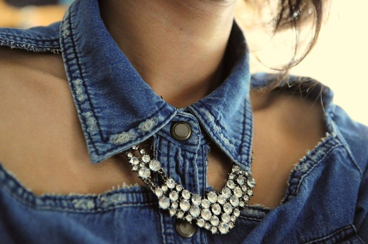 .: Cutouts, Diy Ideas, Denim Style, Statement Necklaces, Diy Fashion, Cute Ideas, Denim Shirts, Collars, Cut Outs