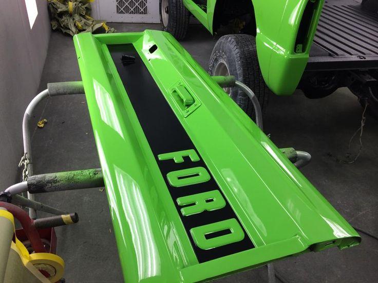 Custom Paint For The Tailgate Ford BroncoCustom