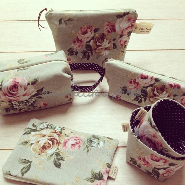 Flowery Canvas set