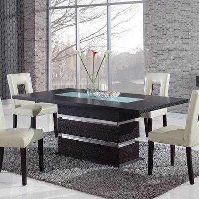 Thiết kế bàn ăn với tấm kính mờ ở giữa sẽ tôn thêm sự sang trọng cho phòng ăn hiện đại của bạn.