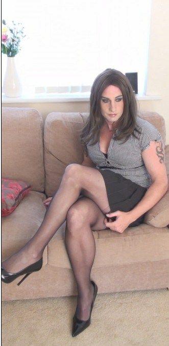 Tranny Secretary 32