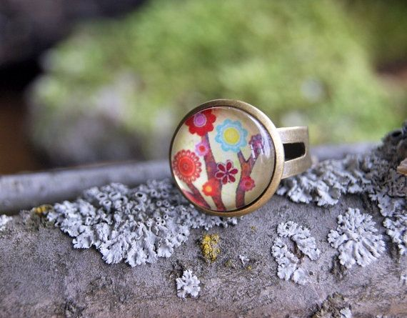 Flower glass ring adjustable antique bronze base by InviolaJewerly