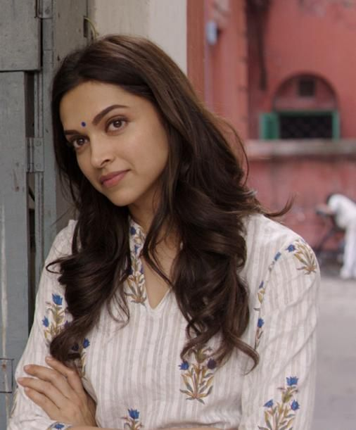 Playing nanny to a friend's daughter | Deepika's seven different looks in 'Piku' - Yahoo Movies India