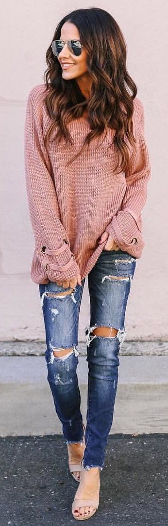 #winter #outfits nude-colored sweater and distressed blue-washed skinny jeans