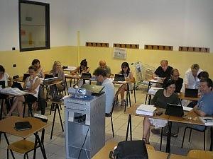 La scuola rinuncia ai libri di carta e i prof vanno a lezione di tablet