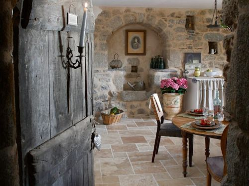 Rustic kitchen-Oh my goodness, I so want this or at least to see it in person!!!! AHH!!
