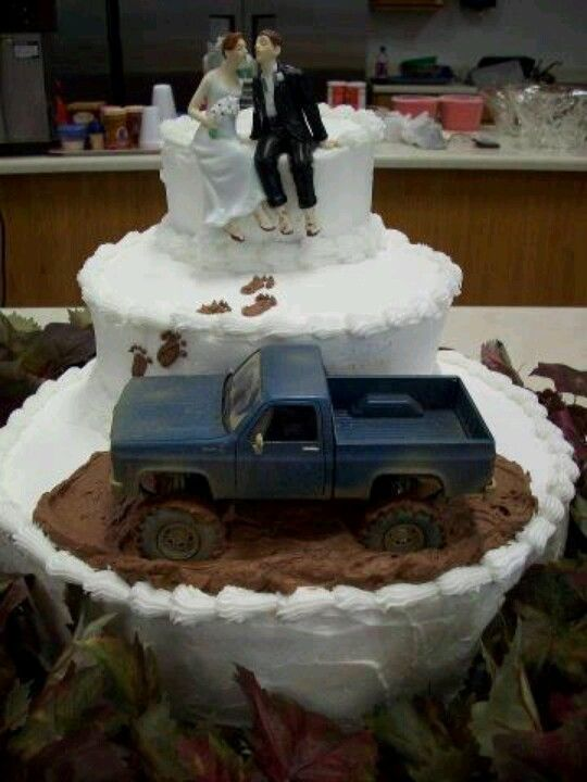Love this cake. The truck is just like justens old one. Definitely have to do one with a crew cab now <3