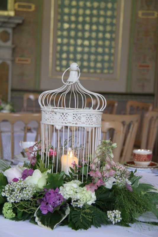 How To Decorate A Shabby Chic Birdcage Wedding