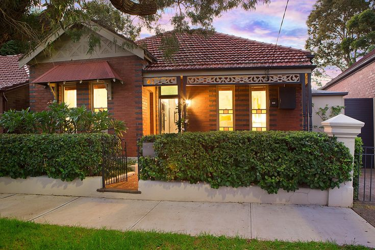 Beautiful family home, single-level Federation residence, dusk photography, Pilcher Residential