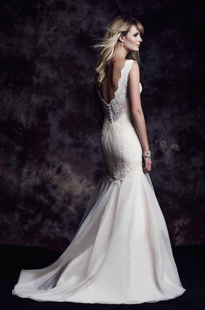 Paloma Blanca Wedding Dress - http://www.fabmood.com/fall-2015-paloma-blanca-wedding-dress-collection #weddingdress