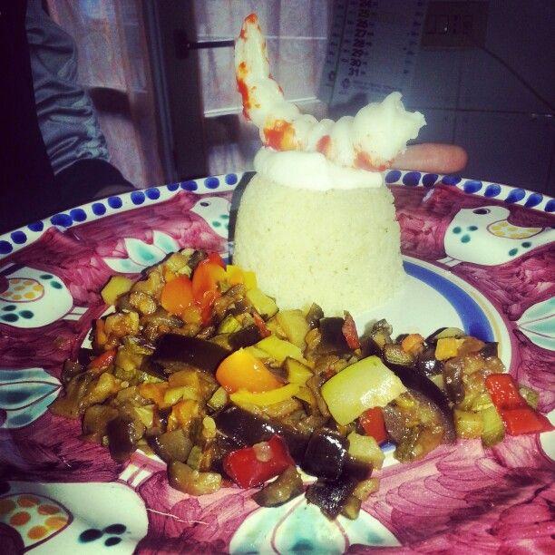 Verdure alla julienne e cous cous con surimi di gambero e mayo!