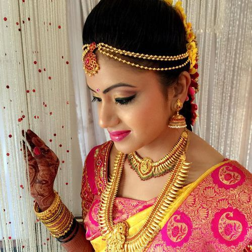 Beautiful South Indian Bridal Jewellery #SouthIndian #BridalJewellery