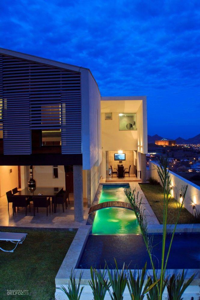 tener acceso a varias recamaras en una Casa-R2-Santos Arquitectura