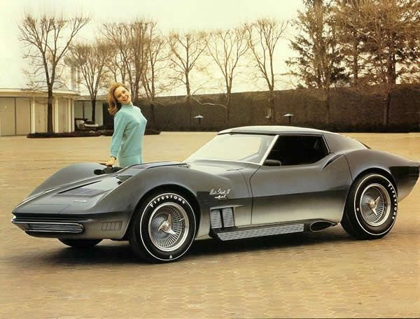 1968 Mako Shark II concept  With the success of the original 1961 Mako Shark concept as the basis for the C2-era Corvettes, the Chevrolet design team revisited the concept in 1965 and created the Mako Shark II, refining the body lines that would become the C3-era Corvette starting in 1968. This concept was equipped with a 427 cubic inch engine, digital gauges, and a removable hardtop. The car no longer exists, as it was cannibalized in 1969 to create the Manta Ray concept.