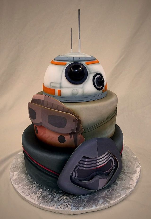 This 'Star Wars: The Force Awakens' Cake Is Layer After Layer Of Awesomeness