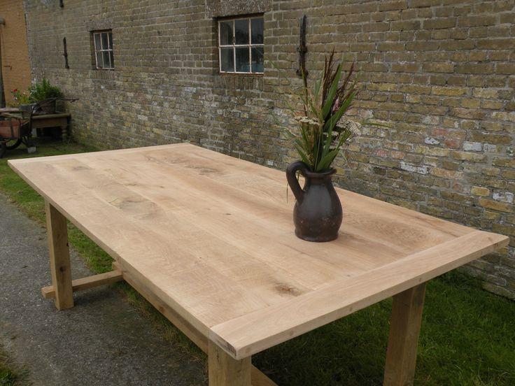 Eiken tafel landelijk model