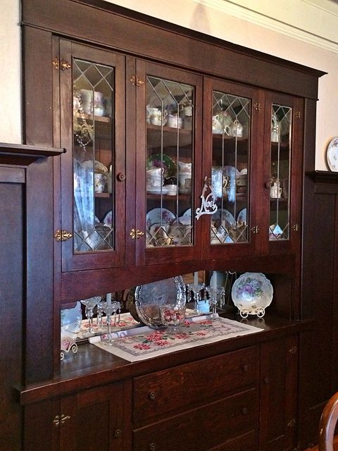 Built-in dining room china cabinet,