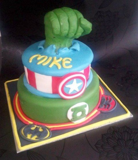 Comic book Birthday cake Batman, spiderman, green lantern, captin america and the incredible hulk.