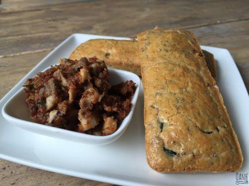 Olijven tomaten broodjes - Oanh's Kitchen - koolhydraatarm - Eenvoudig en lekker, heerlijk met wat verse tapenade