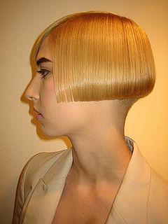 blonde high bob mit rasur nacken