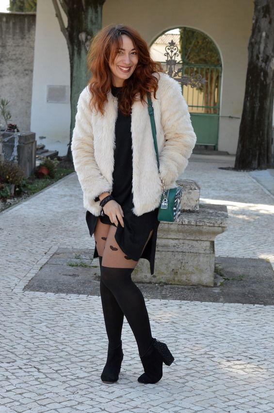 Sexy ! Jenychooz arbore fièrement ces nouveaux #collants #babou à 6€ avec sa petite #robe #noire échancrée à 15€ !