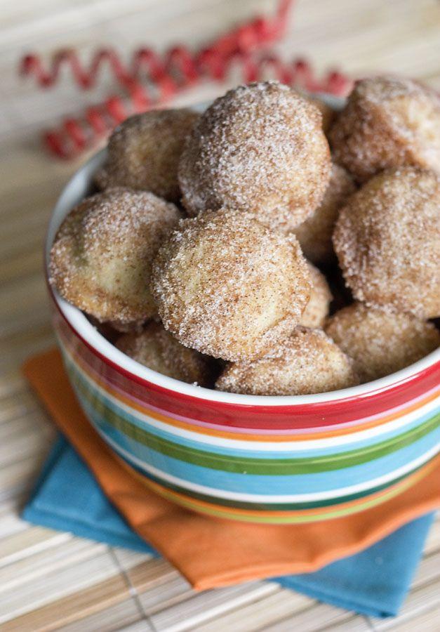 Baked Mini Churro Bites - I'll probably use premade dough & cream cheese frosting spread... Yum!Recipe, Food, Cake Pop Maker, Baking Churros, Erica Sweets, Sweets Tooth, Churros Bites, Minis Churros, Baking Minis