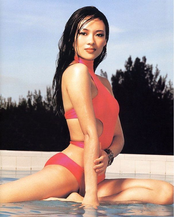 Michelle yeoh nake photo