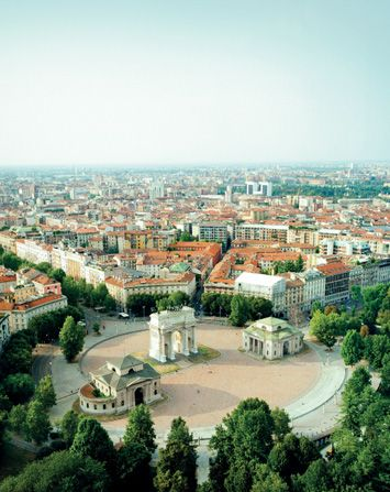http://www.cityjet.com/destinations/milan/#city-guide