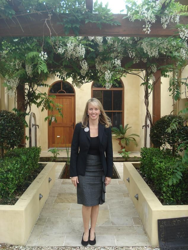 What do celebrants wear?  I always like to wear a suit or a smart outfit to suit the occasion. Celebrant Michelle Shannon #celebrant #weddingcelebrant