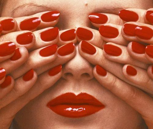Moda: Le #unghie sono #importanti! Le cose pazzesche che si scoprono in 100 anni di Manicure e Nail... (link: http://ift.tt/2byhW23 )