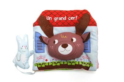 """Lisa Sanchis. """"Un grand cerf"""". Livre en tissu. conception et illustrations. Editions Tourbillon. Juin 2012"""